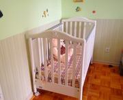 Детская кроватка белая